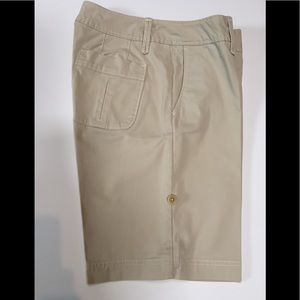 Eddie Bauer light khaki shorts